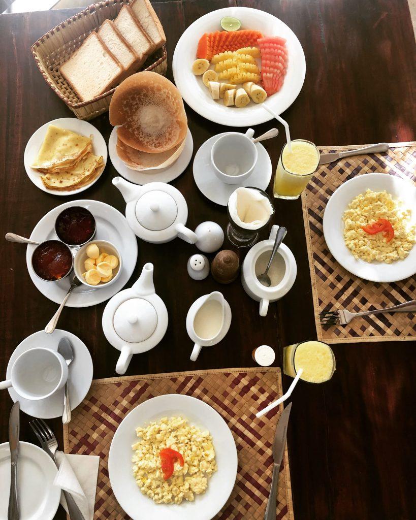 Desayuno en el Coconut Garden