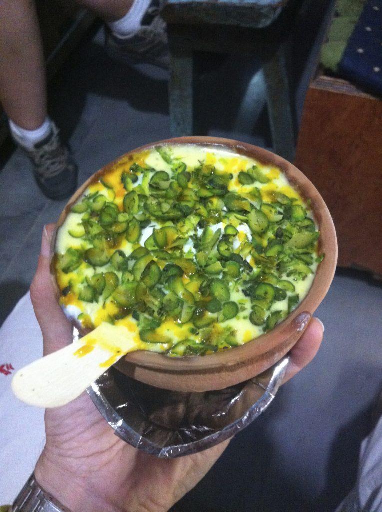 Lassi de pistachos y azafrán