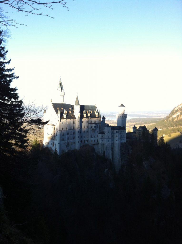 Vistas del castillo Neuschwanstein desde el puente