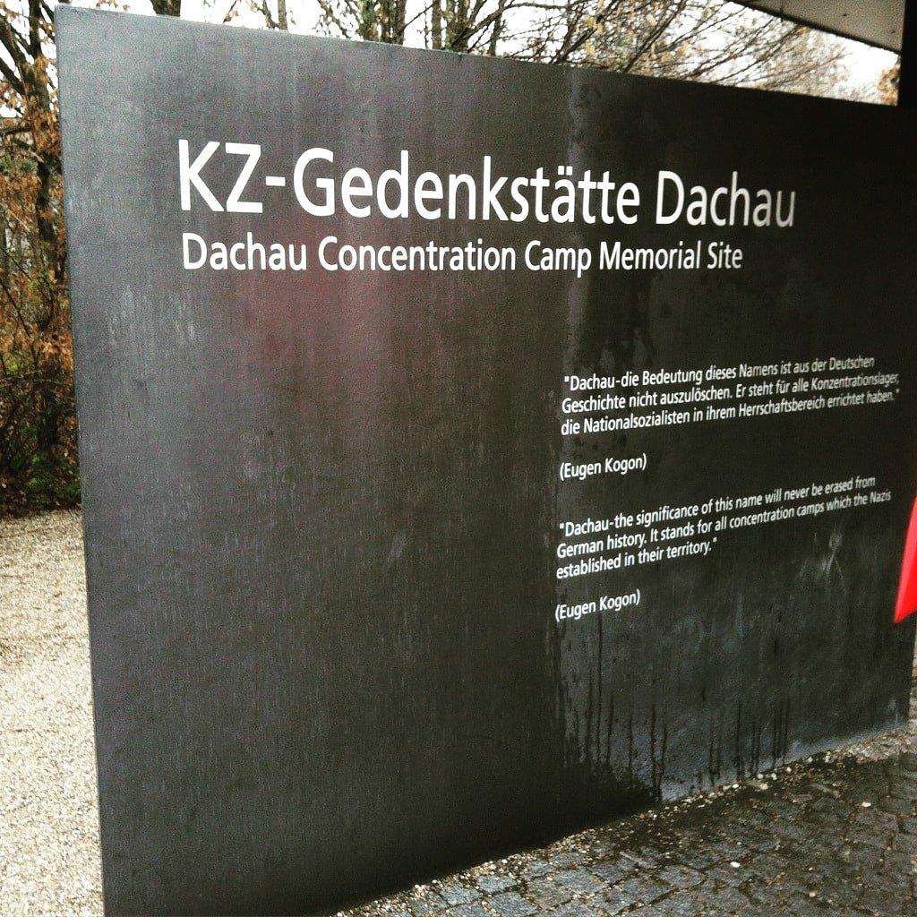 Entrada al memorial de Dachau