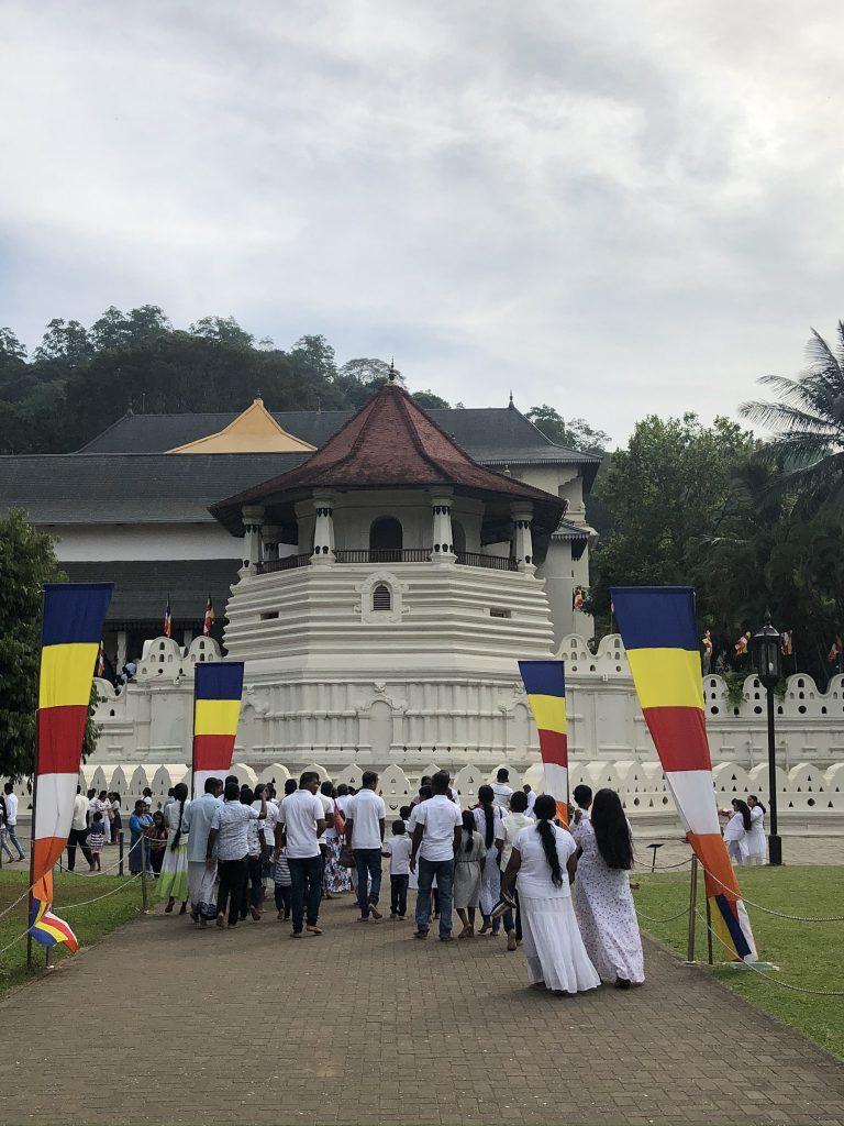 Templo-diente-de-Buda-Kandy