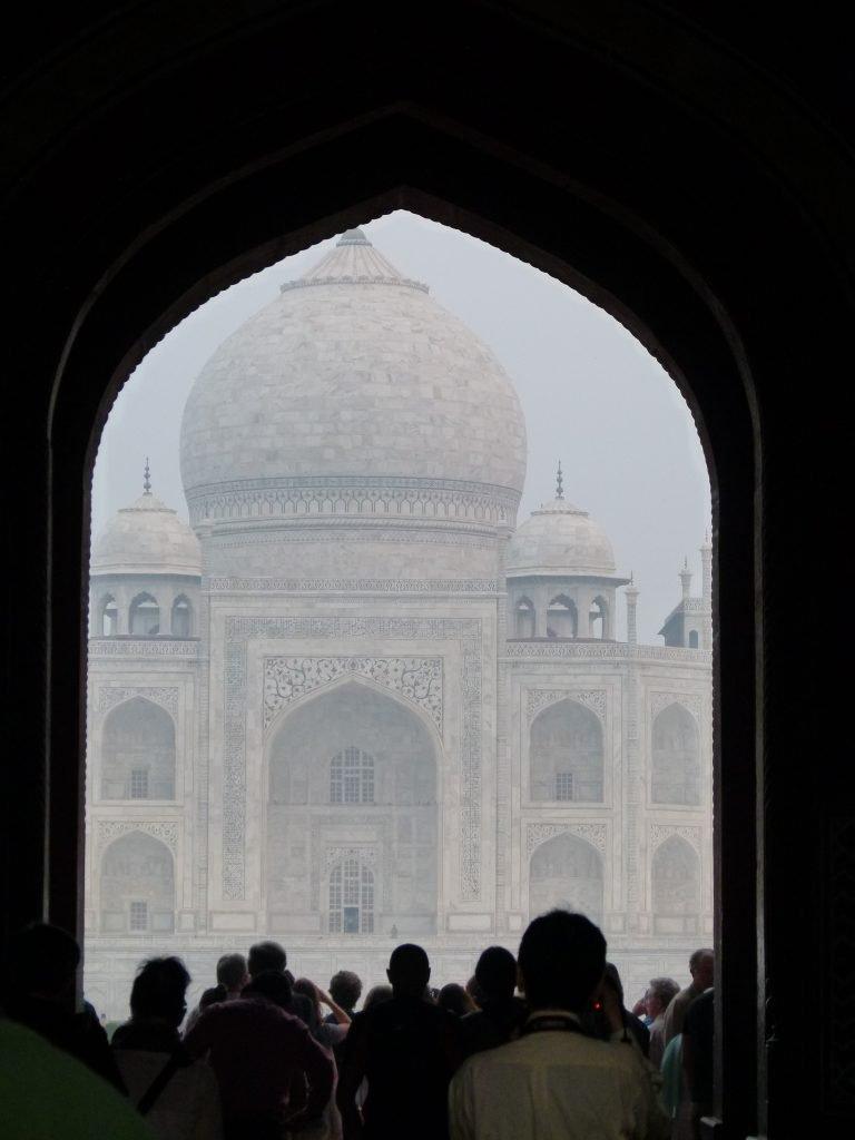 Entrada al Taj Mahal