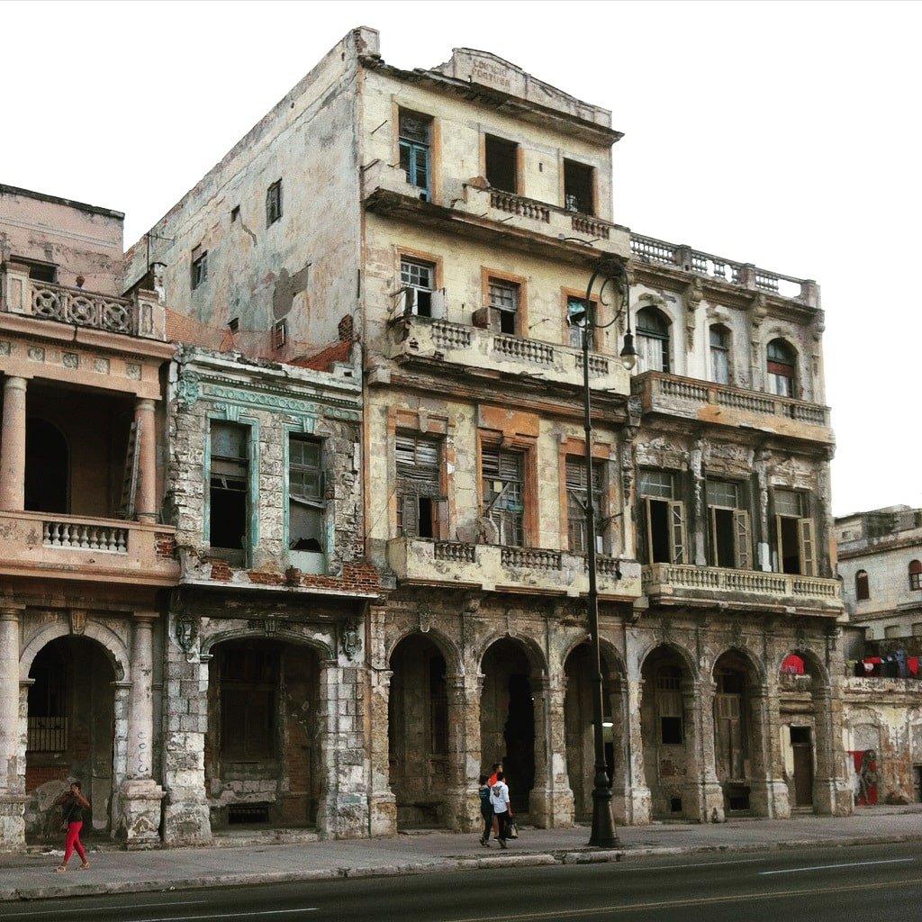Fachada en la Habana