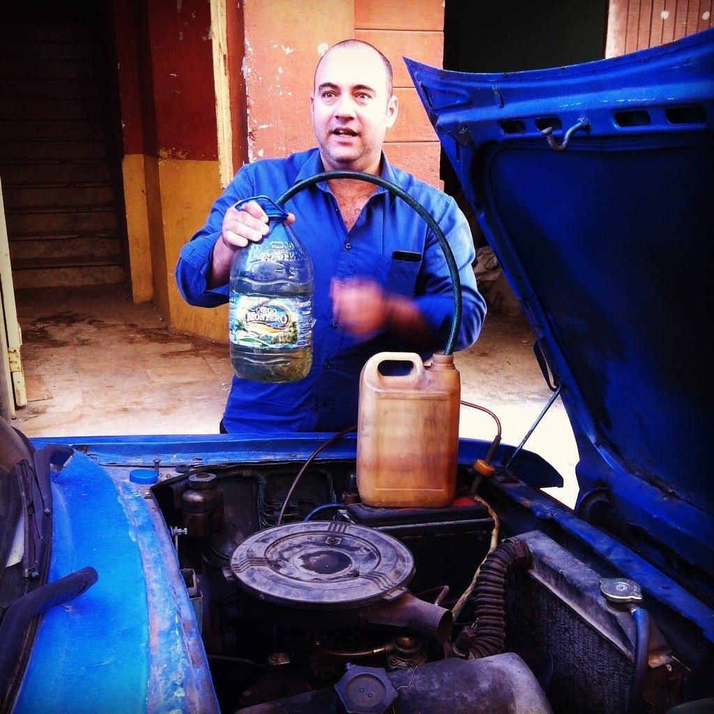 Leo y su Moskvitch  2140 Cuba