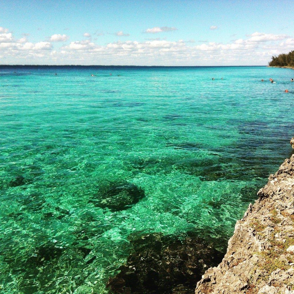 Playa delante del Cenote